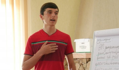"""We need to broaden our horizons"": interview with a youth activist in Tajikistan's Vahdat district"